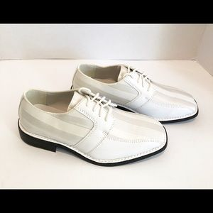 Hugo Vitelli Tuxedo - Dress Shoes. NWT Various SZ